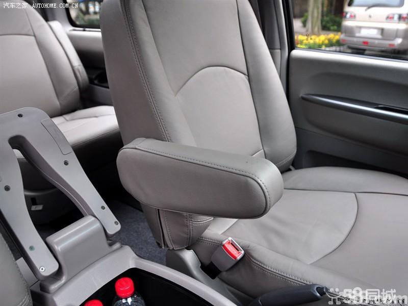 【风行汽车菱智2010款 2.4 QA 11座活力版车厢座椅图片】 - 酷车网高清图片