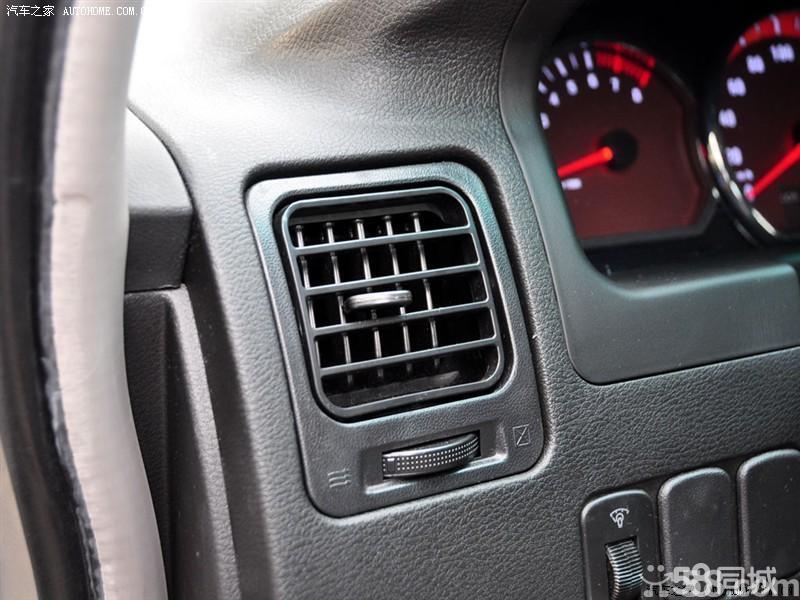 【风行汽车菱智2010款 2.4 QA 7座豪华版中控方向盘图片】 - 酷车网高清图片