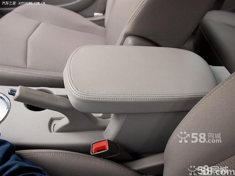 【北京克莱斯勒铂锐2008款 2.4l豪华型车厢座椅图片】高清图片