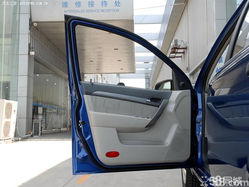 【通用雪佛兰乐风2009款 1.4 sl mt车厢座椅图片】高清图片