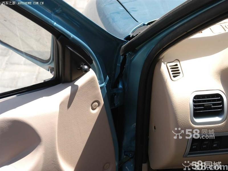 汽车报价-【天津一汽夏利2005款 1.4 三厢豪华型车厢座椅图片】高清图片