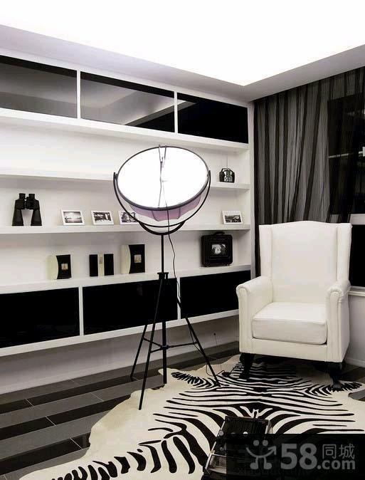 现代黑白色小户型家庭装修