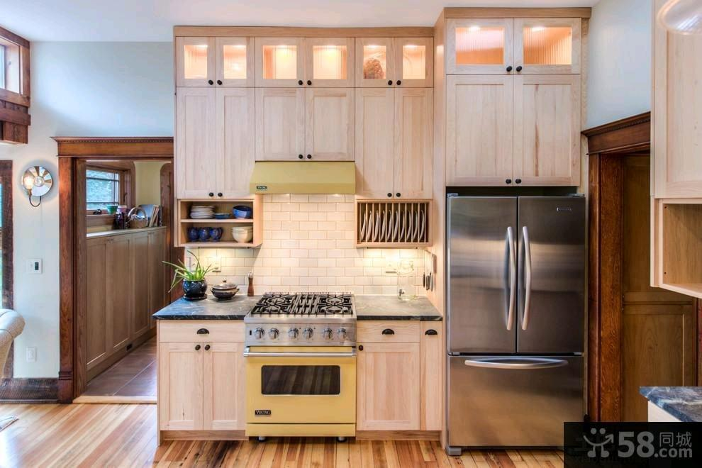 2015现代风格餐厅橱柜装修效果图片