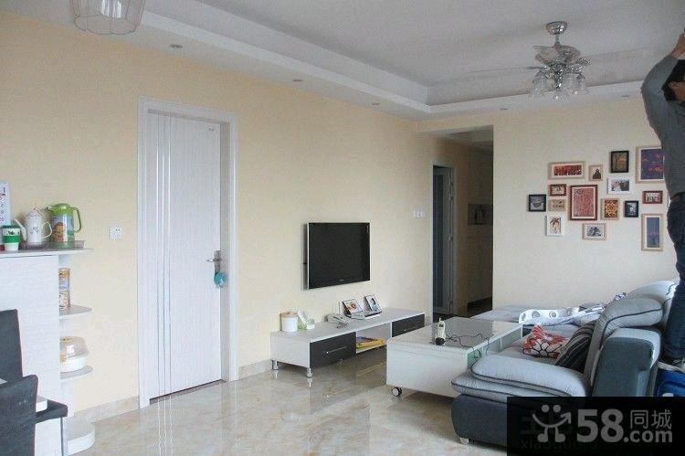 宜家风格设计小客厅电视背景墙效果图