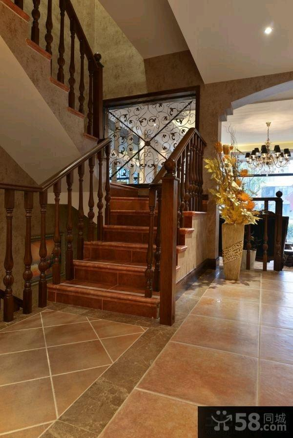 东南亚装修复式楼梯图片