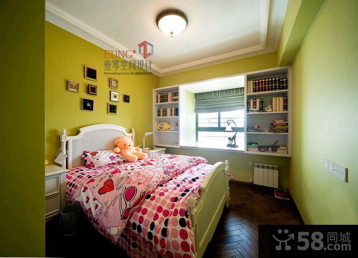 美式风格二居室客厅电视背景墙装修效果图