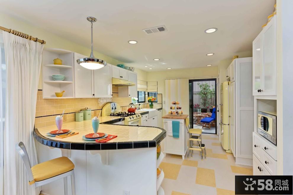 现代简约客厅装修效果图欣赏