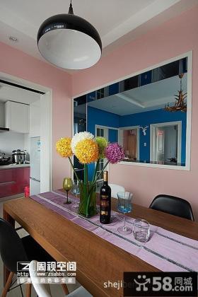 小户型现代风格餐厅吊顶浅粉色壁纸装修效果图