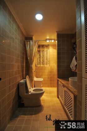暖色调卫生间瓷砖效果图
