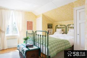 斜顶卧室装修设计