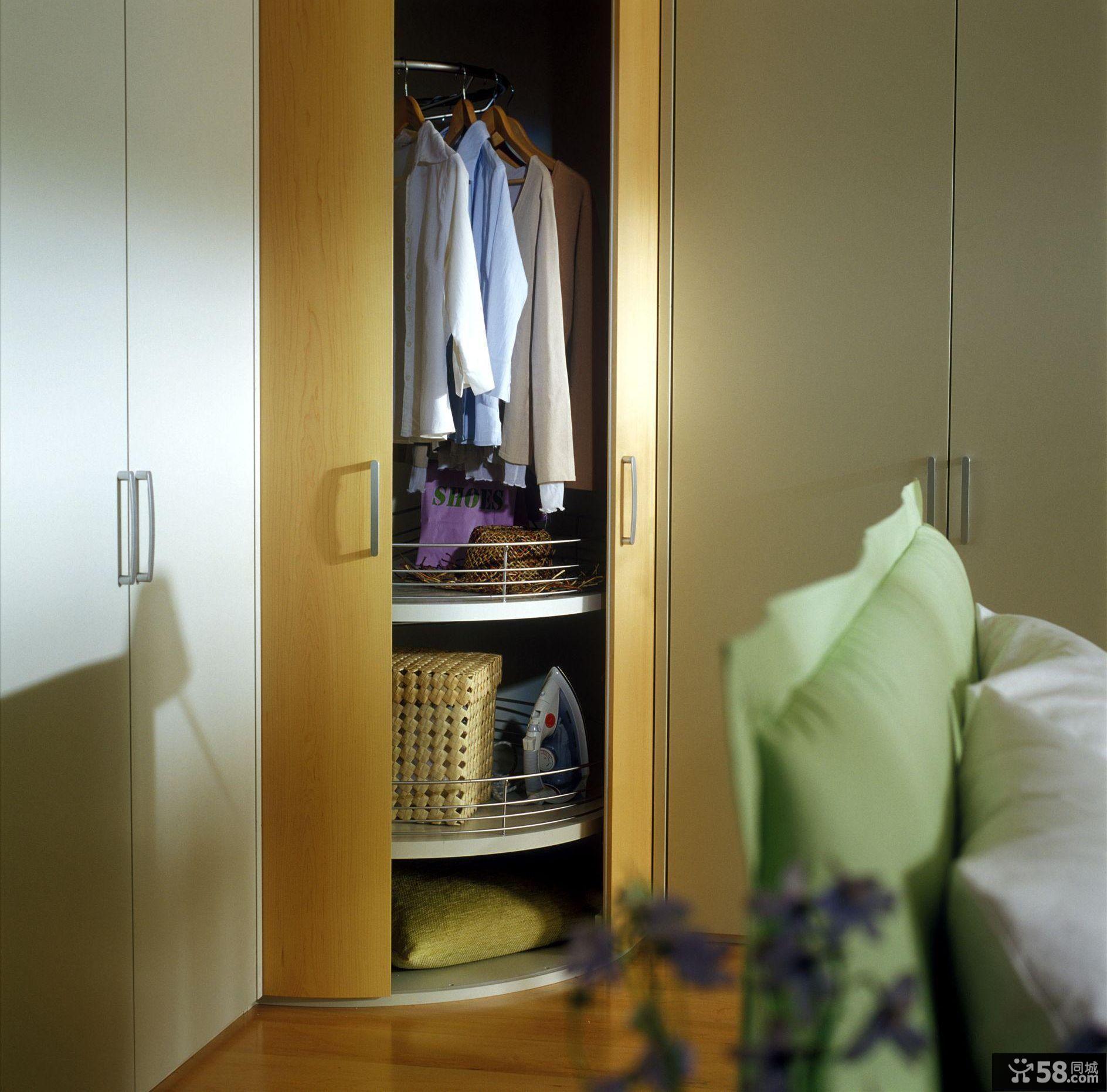 墙衣柜效果图