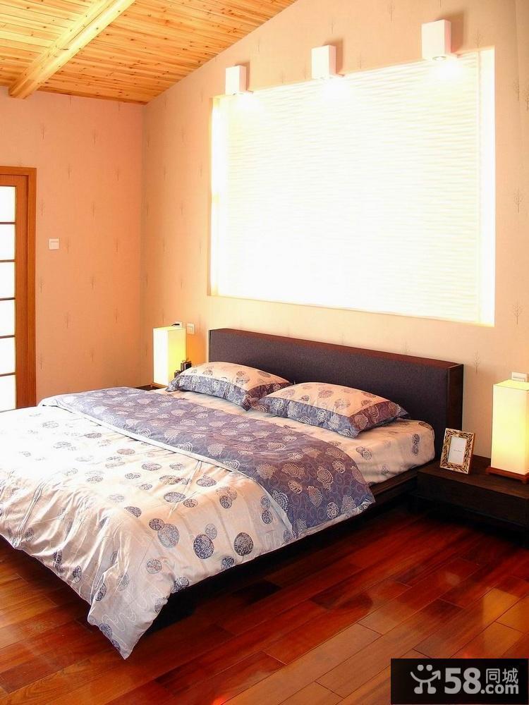 贴壁纸的卧室