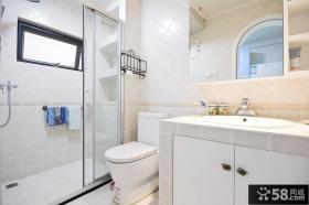 家庭装修卫生间淋浴室隔断效果图