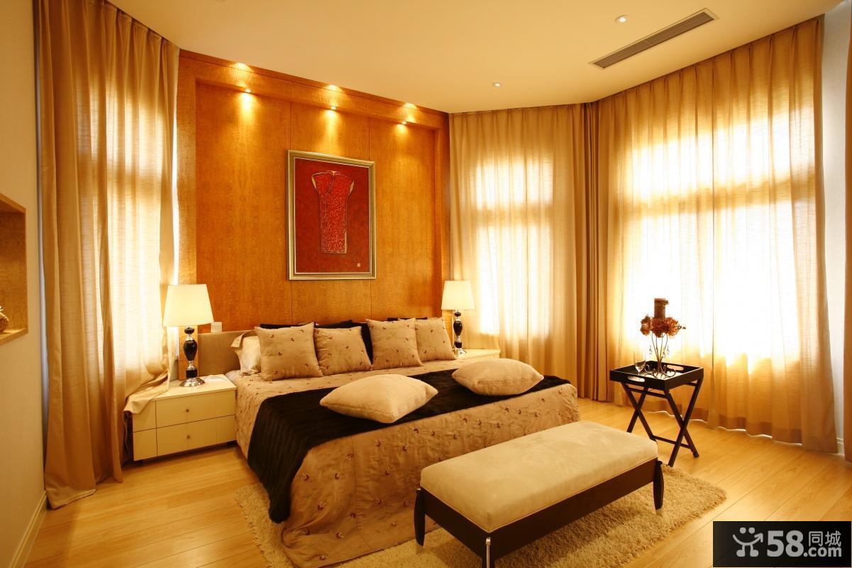 欧式主卧室窗帘装饰效果图