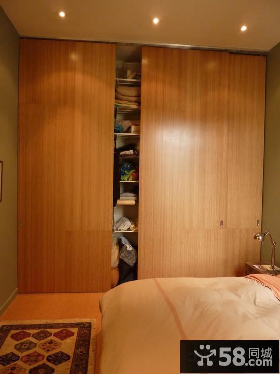 极简风格过道壁柜装修效果图