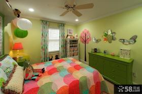 彩色儿童房间墙面布置效果图片