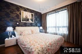 现代卧室床头背景墙家庭装修设计图