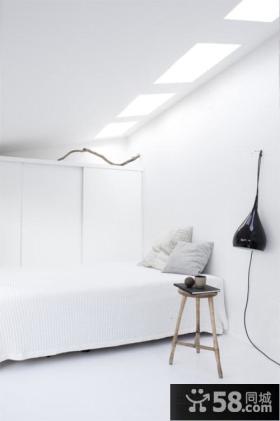 白色简约装修卧室图片