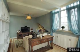 时尚美式倍数阁楼小客厅装修效果图