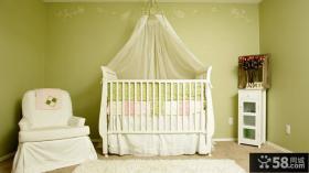 简约婴儿床图片