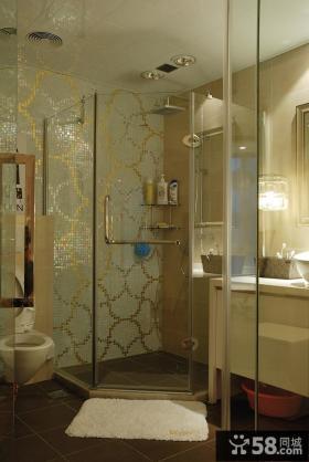 现代简约四居卫生间装修案例图