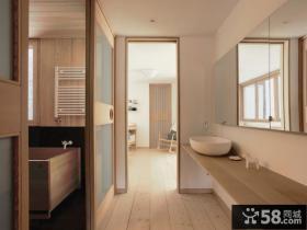 日式三居卫生间装修设计图片