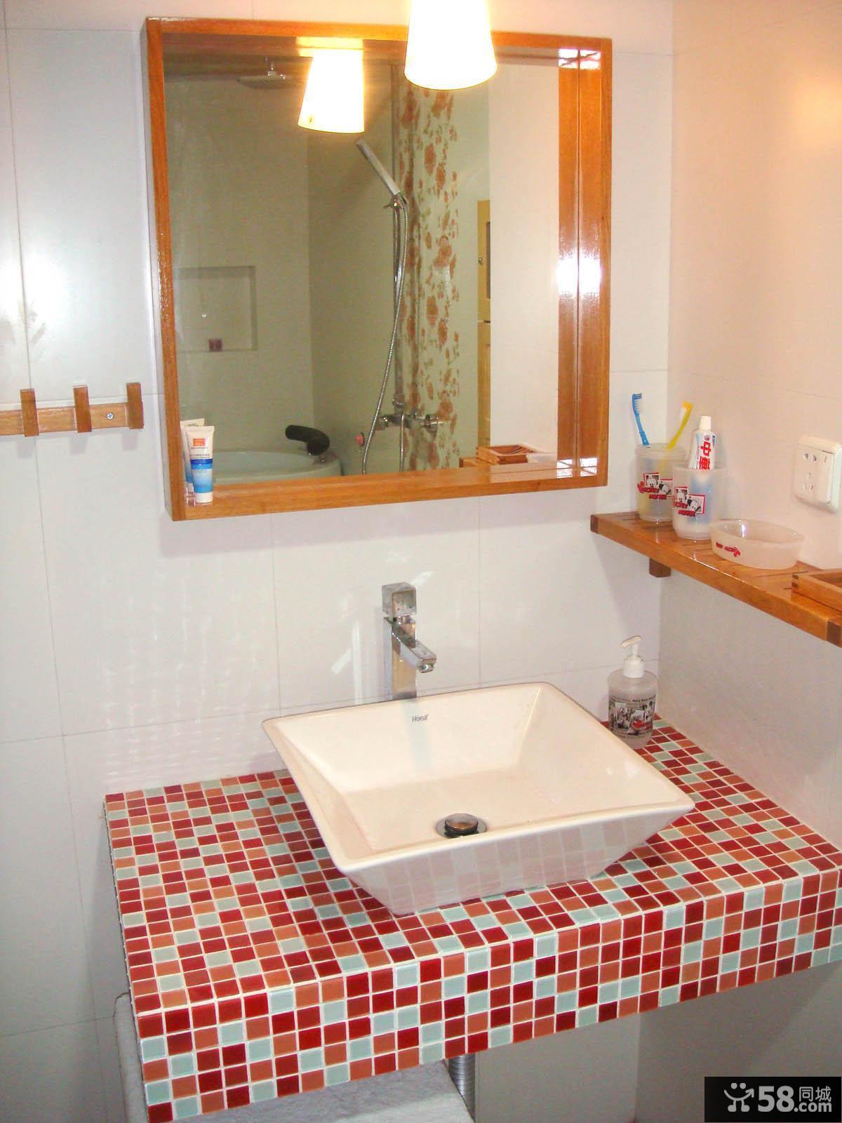 瓷砖卫生间洗手盆图片