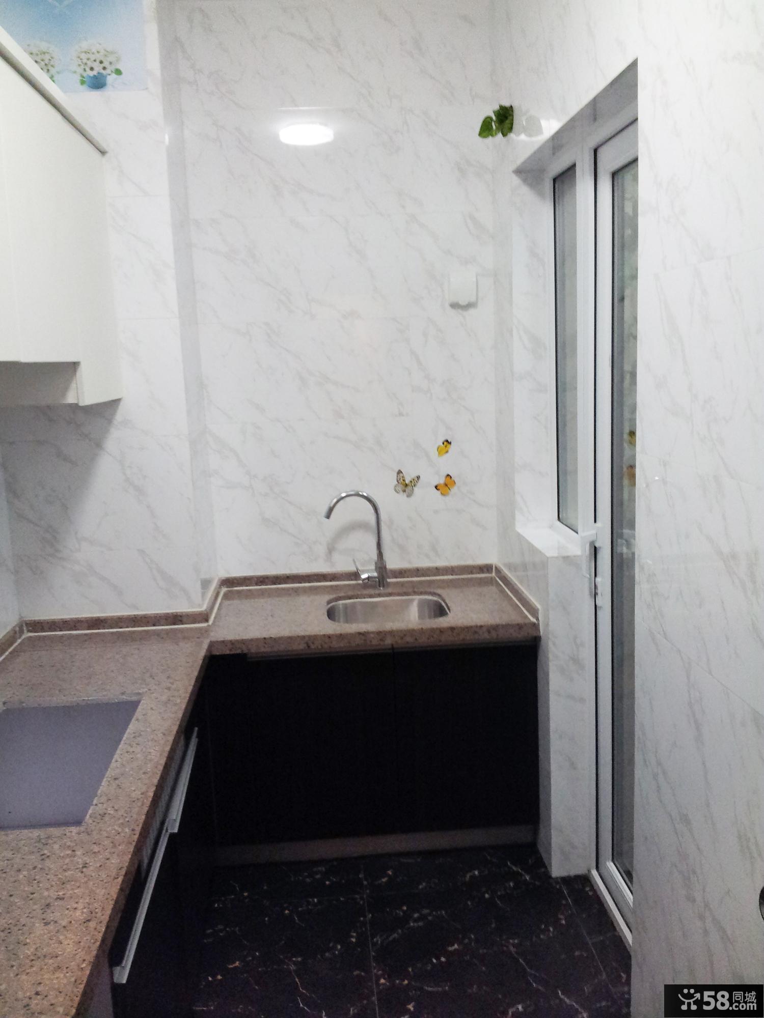 现代欧式小户型厨房瓷砖效果图