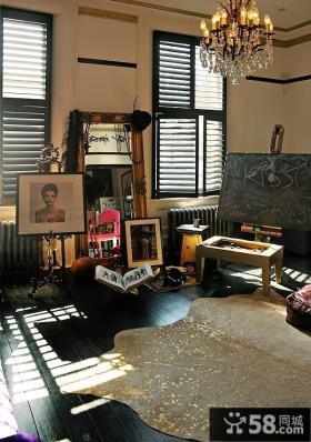 现代神秘艺术家客厅装修