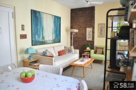 现代客厅沙发挂画装修效果图