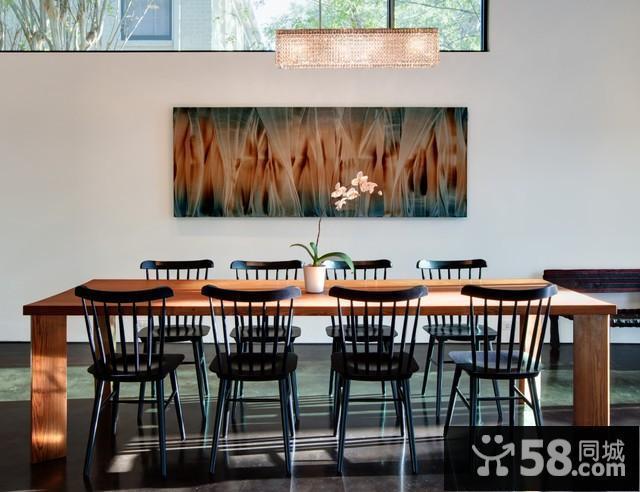 客厅沙发墙如何装饰