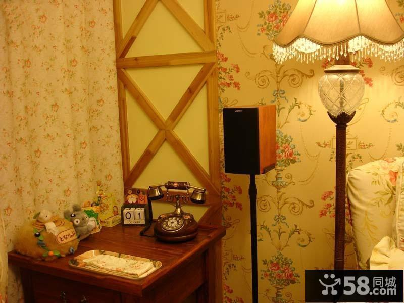 壁纸装修卧室效果图