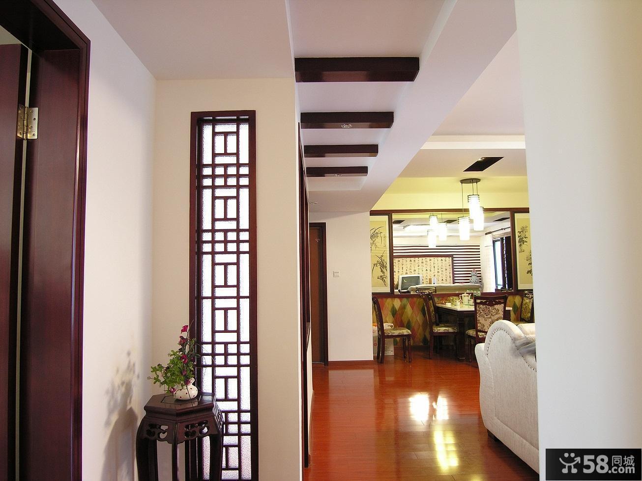 中式家居玄关装修效果图片