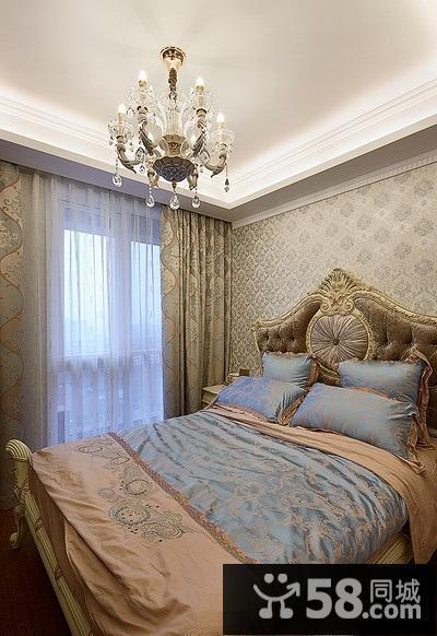 卧室贴壁纸图