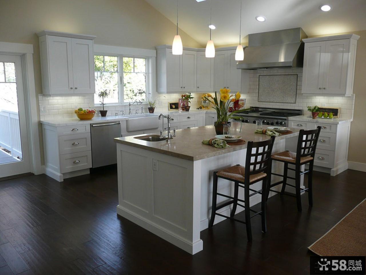 现代欧式家庭大厨房装修效果图