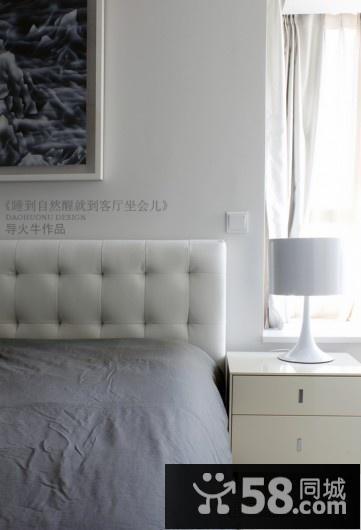 卧室电视背景墙衣柜