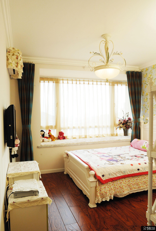 2013田园风格三居室小清新儿童卧室窗台飘窗装修效果图