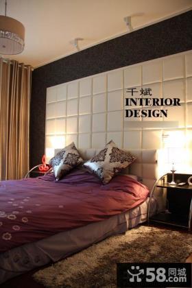 现代主卧室装修床头软包背景墙效果图
