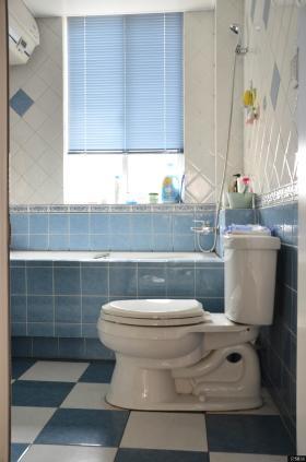 小户型家庭卫生间效果图