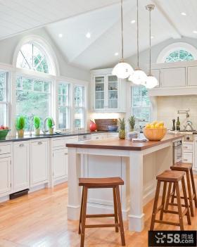 开放式别墅家庭厨房装修效果图