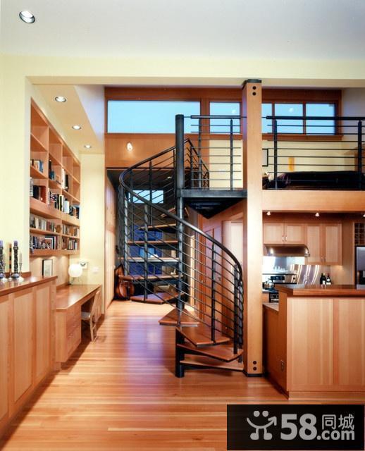 客厅隔出小书房