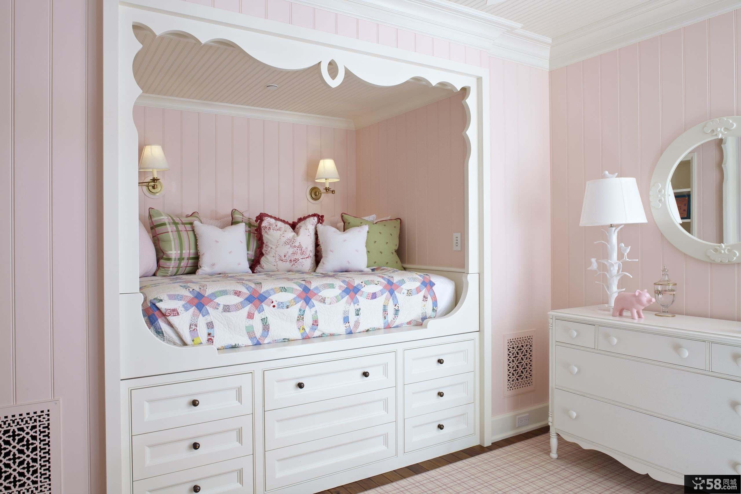 淡粉色创意小孩儿童房装修