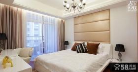 现代风格小户型客厅沙发摆放效果图