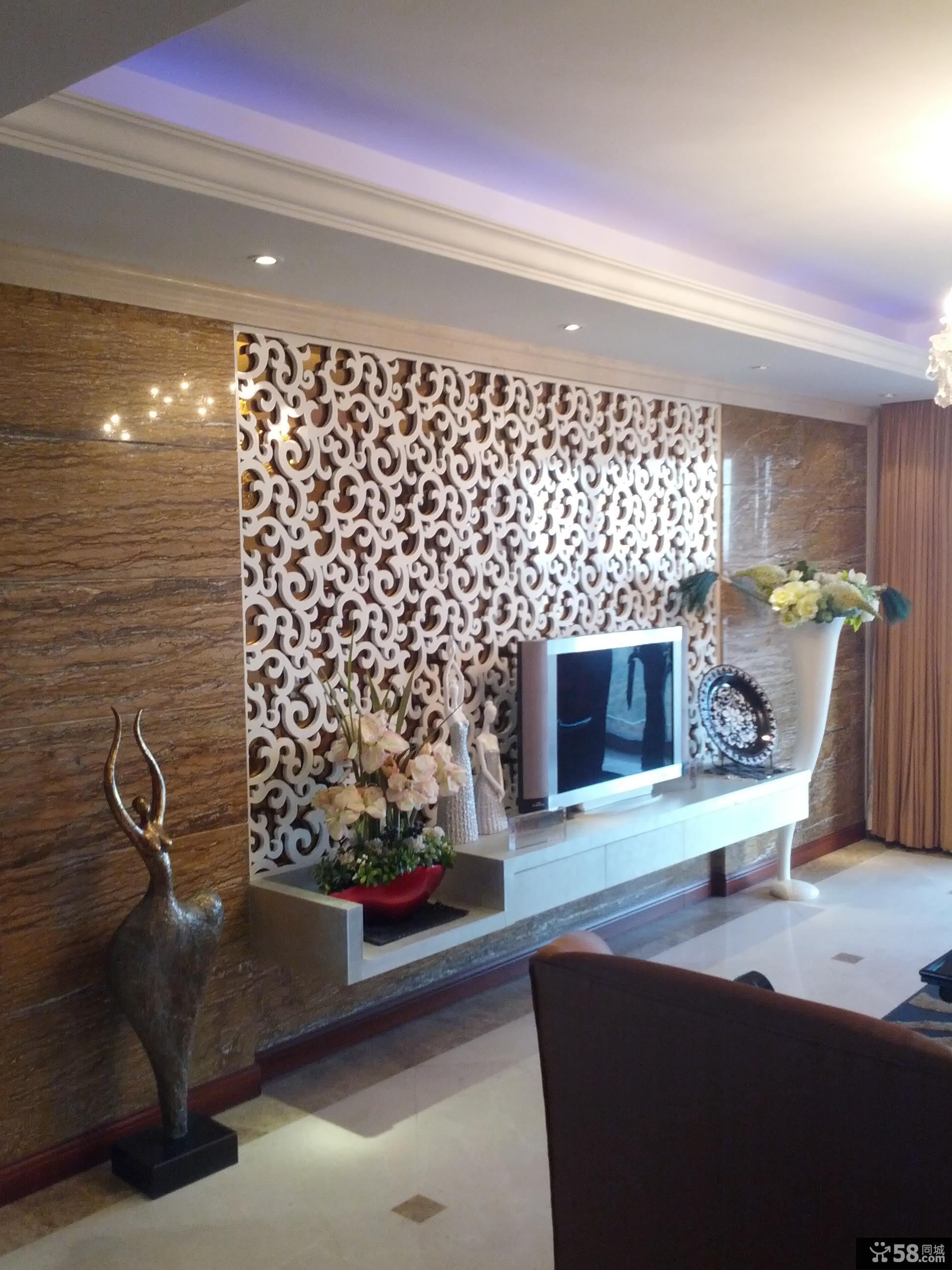 现代120平米三居室装修客厅电视墙设计