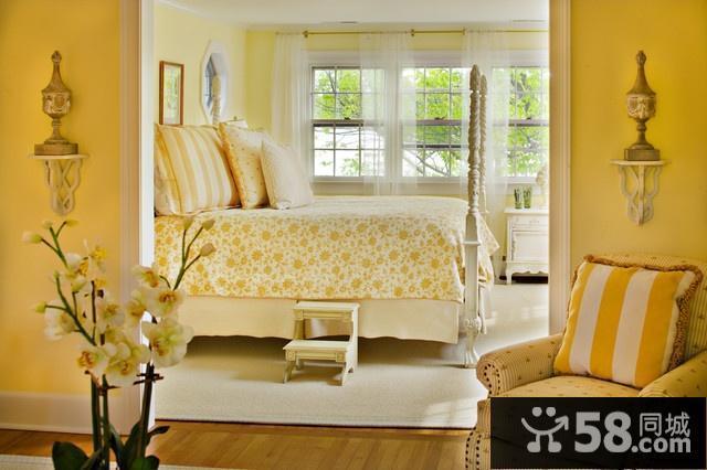 小房型客厅装修图