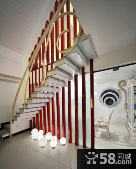 2013现代风格客厅隔断装修效果图片