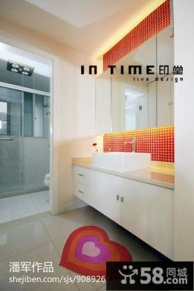 现代三居室客厅电视背景墙效果图