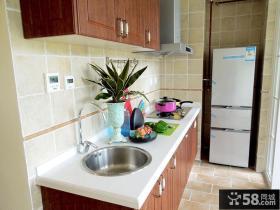 家装一字型小厨房装修效果图